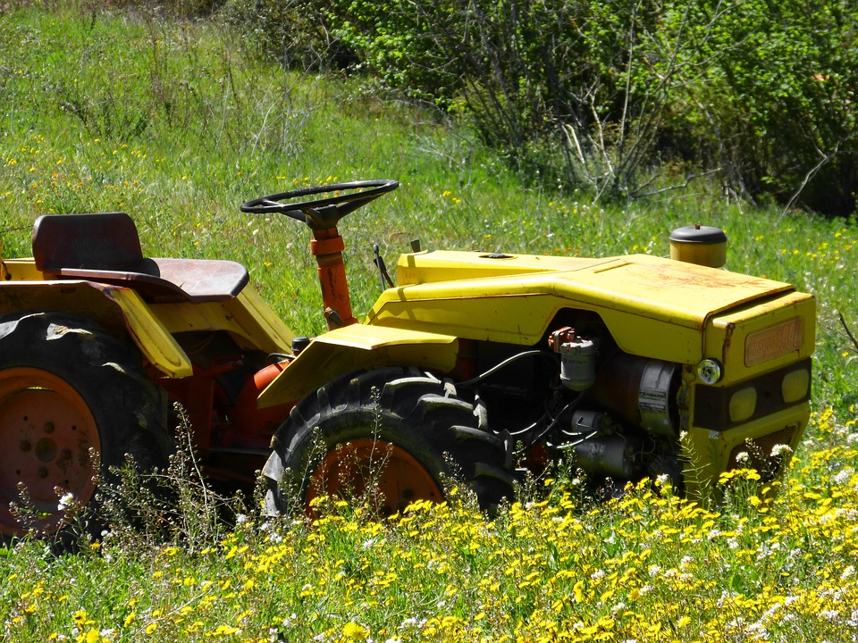 old-tractor-1336329_960_720