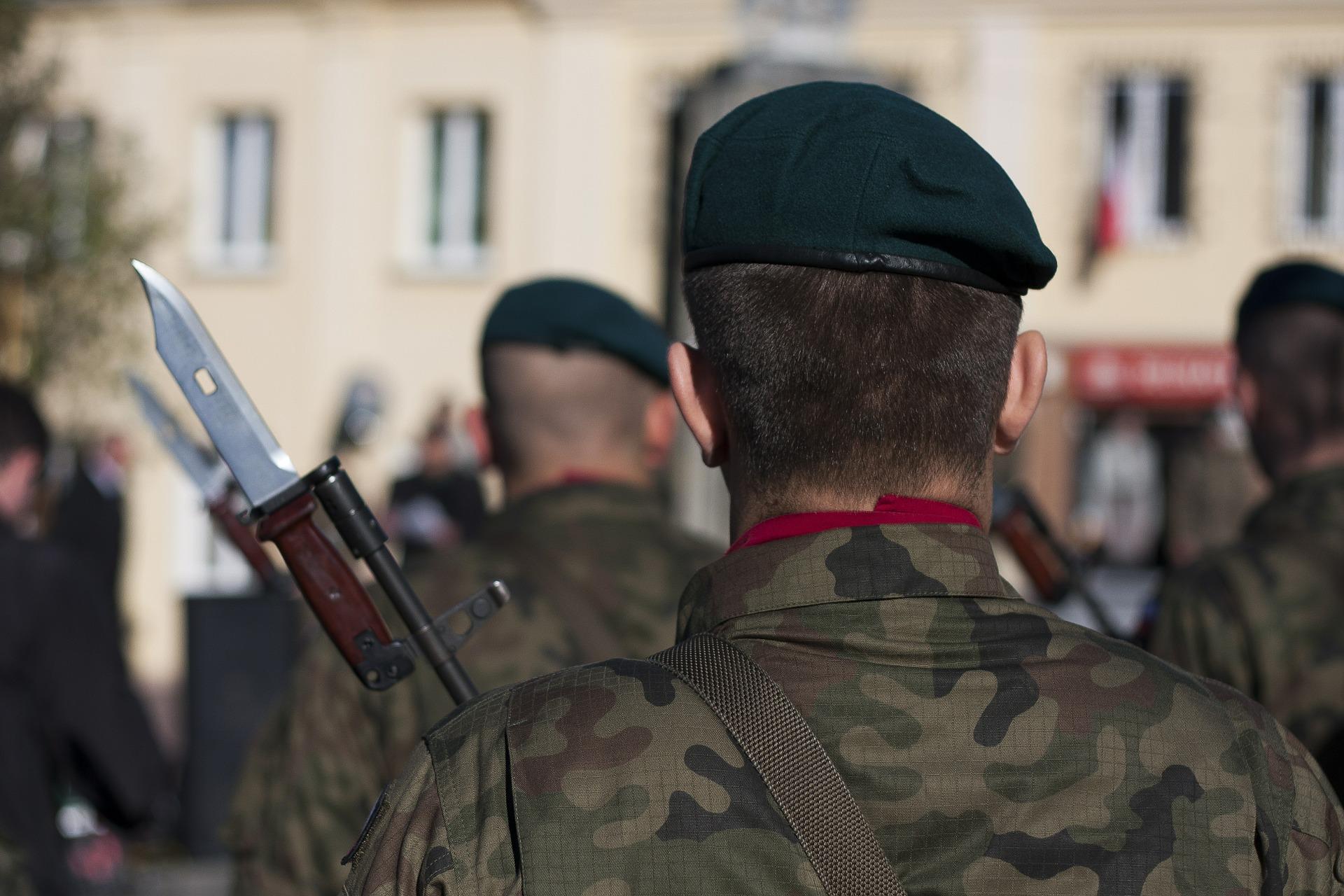 soldier-504966_1920