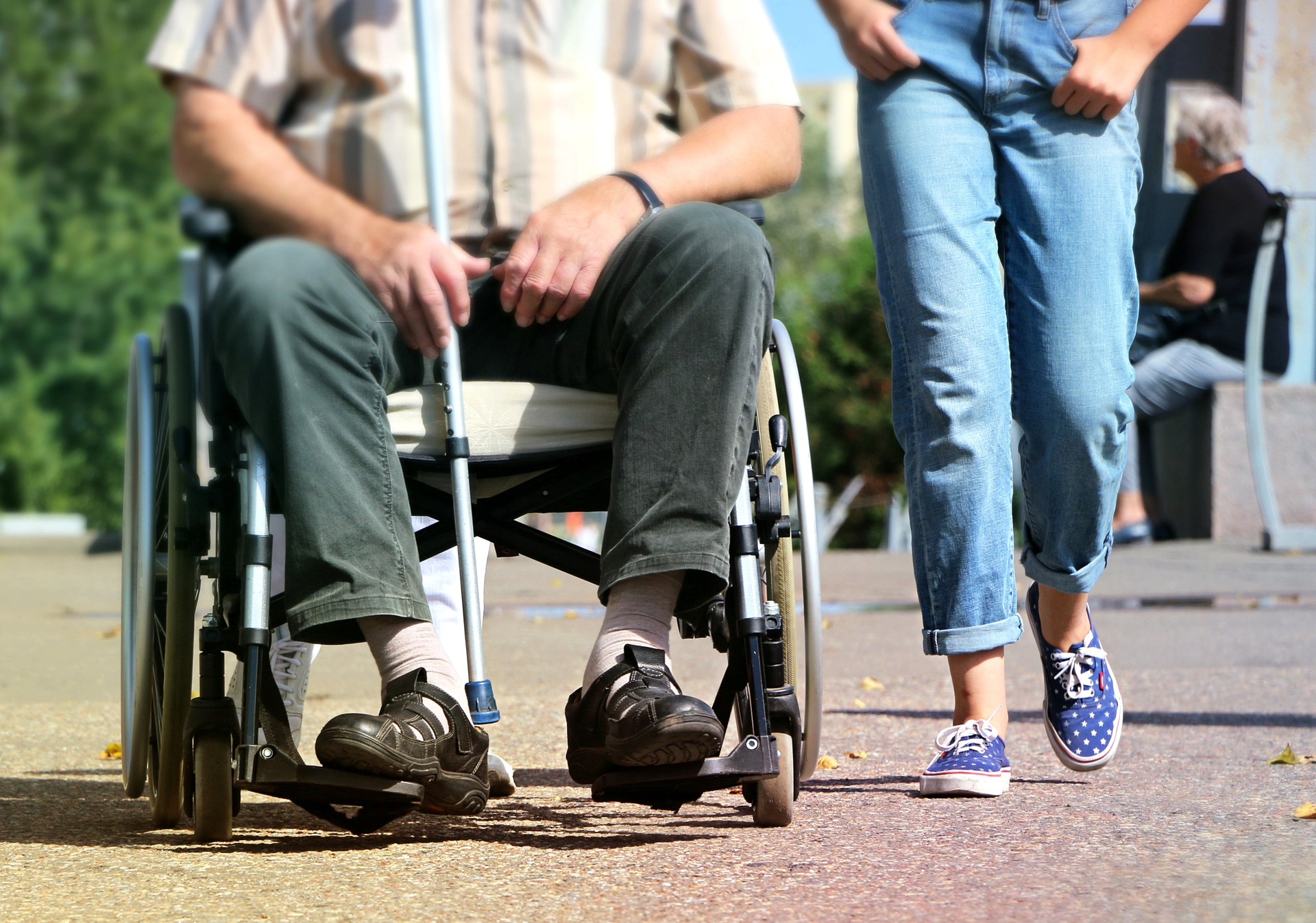 wheelchair-1629490_1920