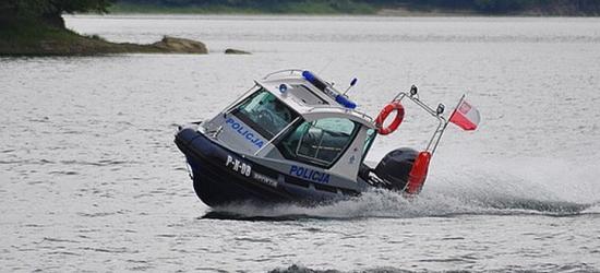Załamanie pogody nad Soliną. Policjant wpadł do wody podczas akcji ratunkowej