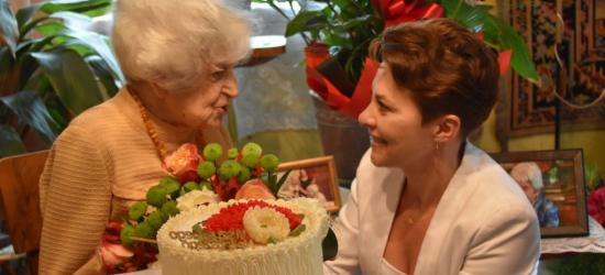 Wyjątkowy jubileusz. 105 urodziny pani Anny (ZDJĘCIA)