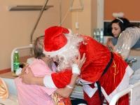 BRZOZÓW: Niespodziewany gość odwiedził pacjentów onkologii (ZDJĘCIA)