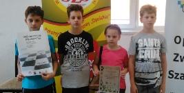 Młodzi szachiści ze Starej Wsi zbierali doświadczenie na Drużynowych Mistrzostwach Polski Szkół Podstawowych (ZDJĘCIA)