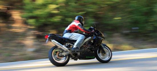 BRZOZÓW: Bez prawa jazdy, przeglądu i rejestracji. Uciekał przed policją 160 km/h