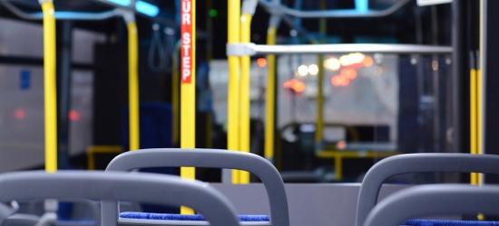 Wychodząc z autobusu stracił przytomność