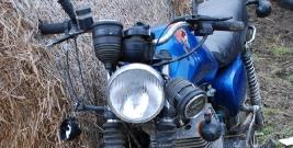 Pijany motocyklista uderzył w osobówkę. Miał 3 promile alkoholu w organizmie (ZDJĘCIA)