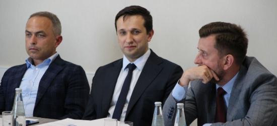 AKTUALIZACJA: Burmistrz Szymon Stapiński z absolutorium za 2018 rok (ZDJĘCIA)