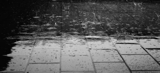 UWAGA: Możliwe intensywne opady deszczu