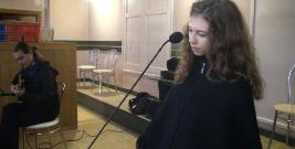 """,,Anielski"""" głos Marty Bujalskiej. Magiczne wykonanie pieśni ,,Jak łania pragnie""""z akompaniamentem Michała Szuby (FILM)"""
