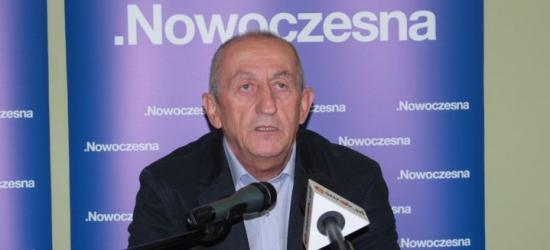 """JAN FUKS: """"Trzeba to towarzystwo z Sejmu wyrzucić""""! Co proponuje Nowoczesna? (FILM)"""