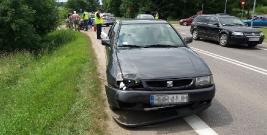 Zderzenie motocyklisty z seatem w Brzozowie. Kierowca jednośladu trafił do szpitala (ZDJĘCIA)