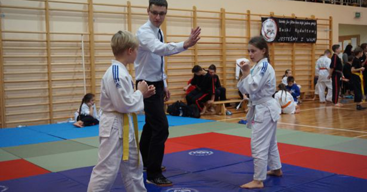 Zawodnicy brzozowskiego klubu ju-jitsu wrócili do domu z medalami (ZDJĘCIA)