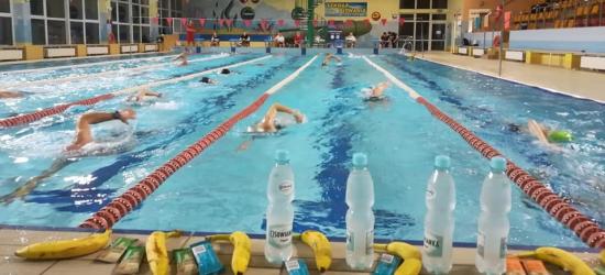 OTYLIADA W BRZOZOWIE: 43 pływaków pokonało łącznie 423 km! (ZDJĘCIA)