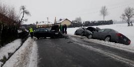 TRZEŚNIÓW: Karambol na drodze. Zderzyło się sześć samochodów