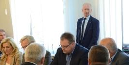 Debata na temat remontów w brzozowskich placówkach oświatowych podczas posiedzenia wspólnych komisji rady (FILM)