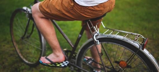 """""""Wężykiem"""" na rowerze. Miał 2,5 promila w wydychanym powietrzu"""