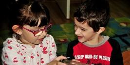Dzieci w makro świecie. Studenci PWSZ opowiadali o owadach (ZDJĘCIA)