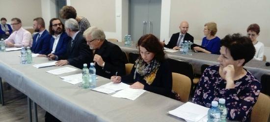 BRZOZÓW: Wybory na wiceprzewodniczących rady i składów komisji? Na kolejnej sesji (VIDEO)