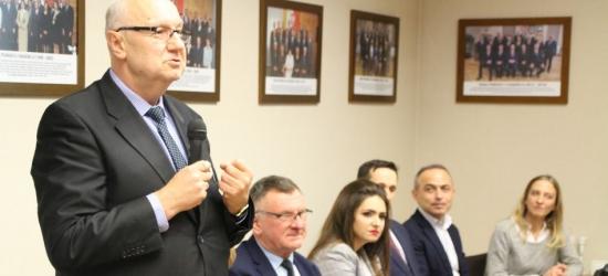 Tak wyglądała pierwsza sesja Rady Powiatu Brzozowskiego. Znamy nowy zarząd! (WYWIADY, VIDEO, FOTO)