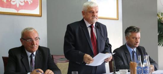 SESJA RADY MIEJSKIEJ: Radni podejmą decyzję w sprawie absolutorium dla burmistrza (RETRANSMISJA)