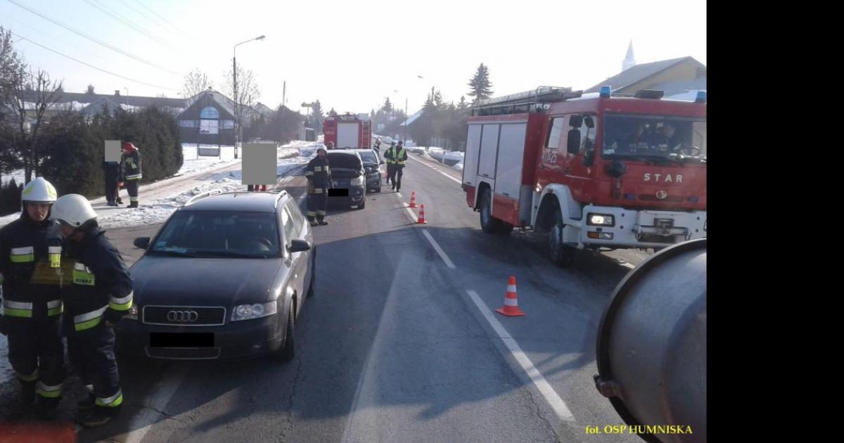 Zderzenie trzech pojazdów w Grabownicy Starzeńskiej (FOTO)