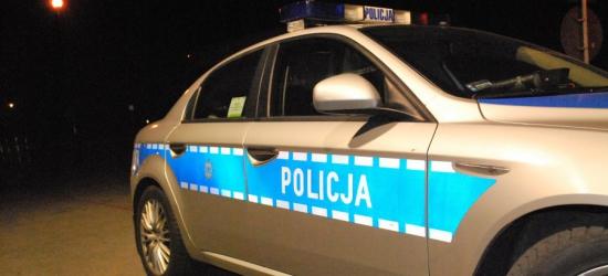 Kierowca renault wjechał w drzewo. Policja ustala czy prowadził pod wpływem alkoholu