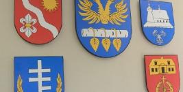 Niektórzy wójtowie zarobili więcej niż włodarz powiatu brzozowskiego. Porównanie oświadczeń majątkowych wójtów, burmistrza i starosty