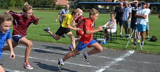 450 młodych sportowców rywalizowało na lekko atletycznych zawodach (ZDJĘCIA)