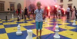 7-letni szachista Paweł Sowińskiego z UKS SP 1 Brzozów, w wakacje poświęcił się swojej pasji, odnosił liczne sukcesy