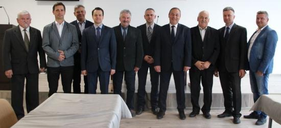 1200 zł dla Olivii od radnych miejskich z klubu Ziemia Brzozowska (FOTO)