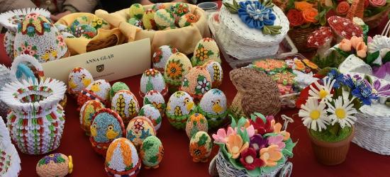 Wielkanocne skarby na rynku w Brzozowie (VIDEO, FOTO)