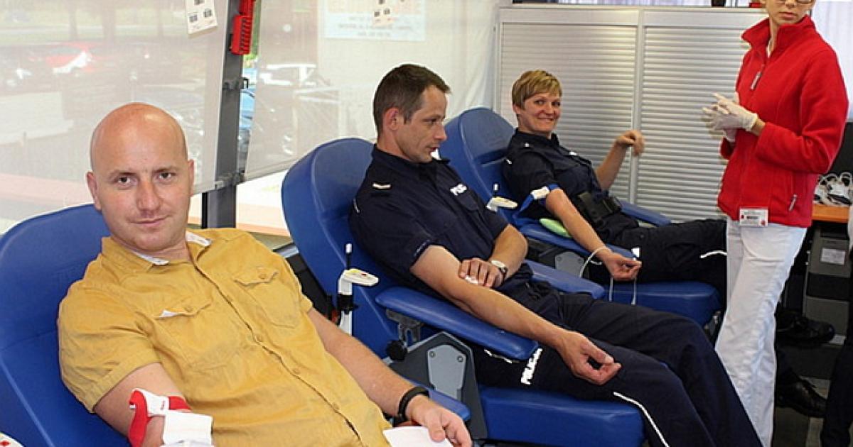 Brzozowscy policjanci honorowymi dawcami krwi [zobacz zdjęcia]