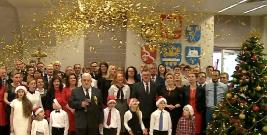 """,,Chrystus narodził się w żłobie. Wierzysz w to człowieku XXI wieku?"""". Kolęda i życzenia świąteczne starosty brzozowskiego (FILM)"""
